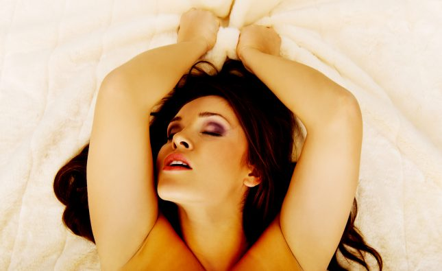 Mind Blowing Oral Sex Guide: How to Rock Her World